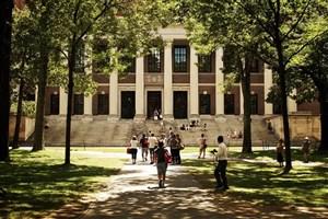 بودجه آموزش عالی آمریکا صرف جنگ افزارها می شود