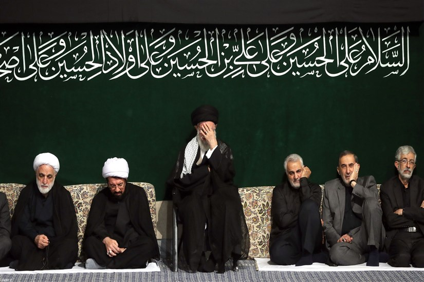 مراسم عزاداری شب عاشورا در حسینیه امام خمینی(ره)