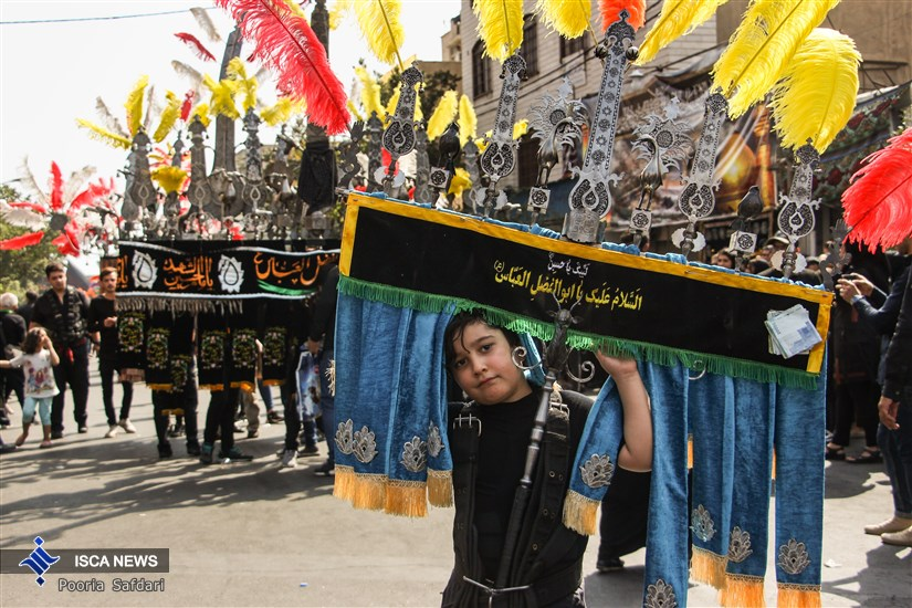 مراسم عزاداری ظهر عاشورا در محله سرسبیل تهران