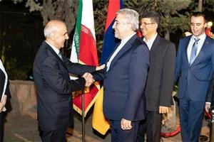 لزوم سرعت بخشیدن به اجرای طرحهای مشترک برق ایران و ارمنستان/ آماده هر گونه همکاری اقتصادی با ارمنستان هستیم