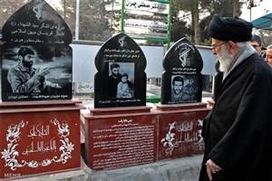 میدان مجاهدت در عرصههای گوناگون همچنان گشوده است/ قله جهادشهادت است