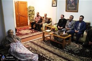 دیدار دانشگاهیان دانشگاه آزاد اسلامی واحد رشت با خانواده شهدا