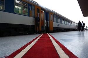 بلیت رفت و برگشت قطار مشهد با یک شب اقامت در هتل ۸۸ هزار تومان