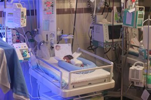بستری نوزادان نارس در بخش NICU  هرشب  ۱ تا ۴ میلیون تومان  هزینه دارد