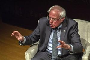 برنی سندرز: دانشجویان باید برای بازگرداندن دموکراسی به آمریکا تلاش کنند