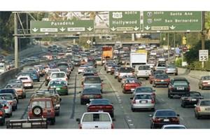 کاهش  تعاملات  اجتماعی بین  شهروندان آمریکایی/ بیشتر زمان آمریکایی ها در اتومبیل می گذرد