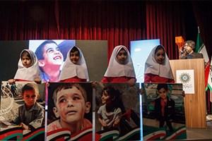 تجلیل از فرزندان شهدای مدافع حرم در هفته ملی کودک