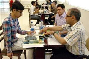 اعطای کارت سلامت به دانشجویان دانشگاه اراک