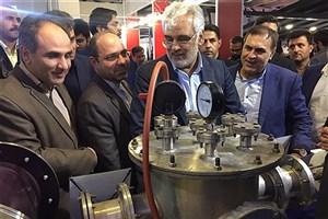 دکتر طهرانچی از نمایشگاه فناوری نانو بازدید کرد