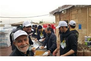 روزانه ۲۰هزار پرس غذا بین زائران اربعین  توزیع می شود
