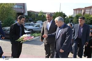 ادای احترام اساتید و قهرمانان ورزشی واحد ساری، به مقام شامخ دوشهید گمنام