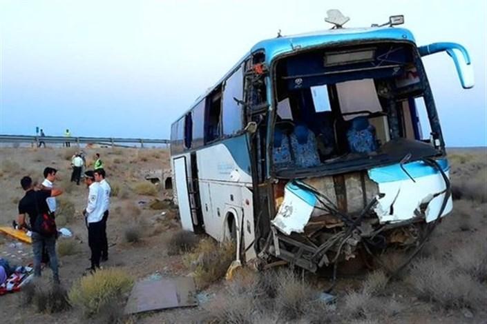 برخورد اتوبوس حامل زائران اربعین با تریلی