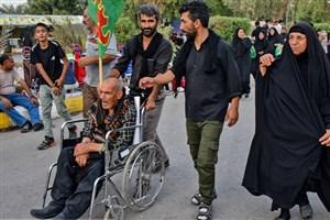 تامین ویلچر برای زائران حسینی توسط بهزیستی در مرز مهران