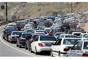 ترافیک سنگین  درجادههای منتهی به مرزهای چهارگانه/ بارش باران در جاده چالوس