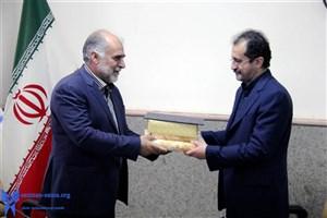 از رئیس دانشگاه آزاد اسلامی واحد لاهیجان تقدیر شد
