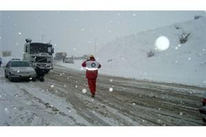 7 استان کشور درگیر برف و کولاک  هستند/ رهاسازی 104 خودرو درگیر در برف