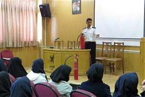 کارگاه های ایمنی و آتش نشانی در دانشگاه آزاد اسلامی واحد کرج  برگزار شد