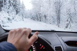 در اکثر جاده های کشور برف می بارد