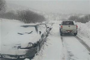 ادامه  بارش برف و باران در جاده های 7 استان/رانندگان از زنجیر چرخ  استفاده کنند