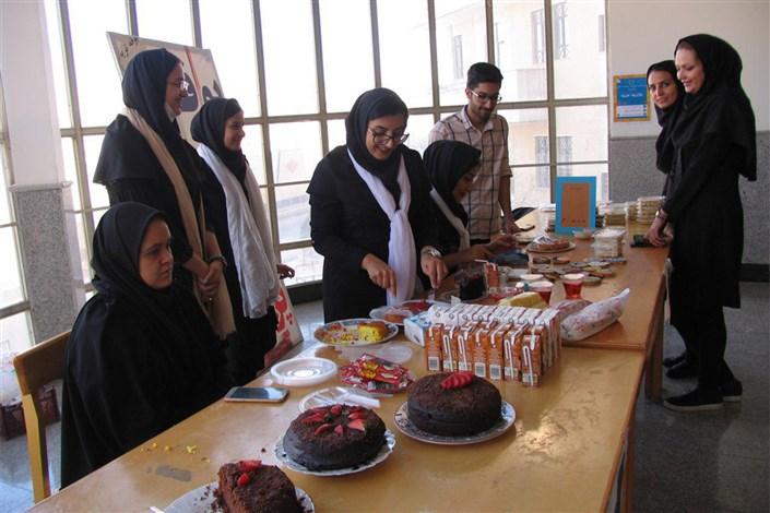 بازارچه خیریه در دانشگاه آزاد شاهرود