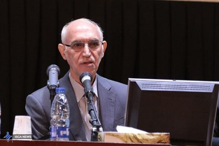 علی اکبر مهاجری معاون تحقیقات و منابع انسانی وزارت نیرو