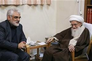 اساتیدی در دانشگاه آزاد اسلامی انتخاب کنید که متدین باشند