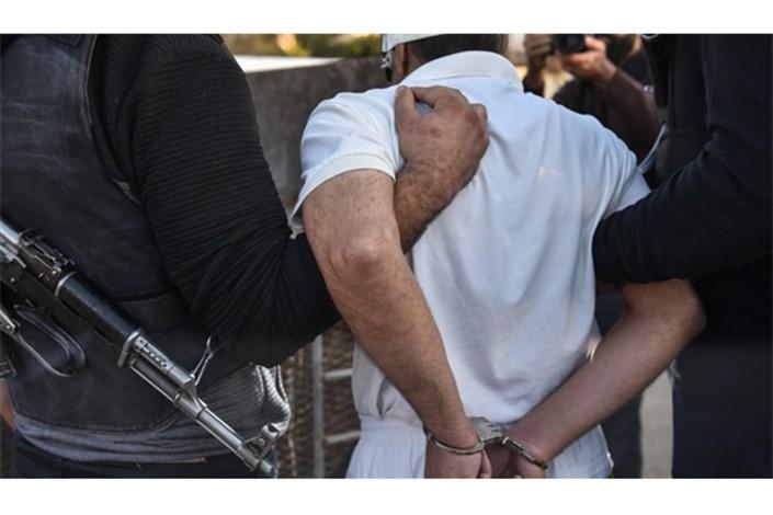 دستگیری باند گوشی قاپ ها