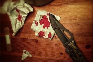پسر جوان هنگام صحبت با دختر دانشجو خودش را با چاقو زد/مرگ خود خواسته پسر 20 ساله