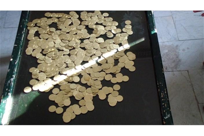 دستگیری کلاهبرداران با 2 هزار سکه تقلبی