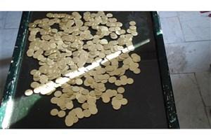 3  کلاهبردار با 2 هزار سکه تقلبی دستگیر شدند