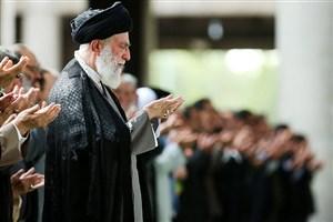 اقامه نماز رهبر معظم انقلاب بر پیکر آیتالله هاشمی شاهرودی