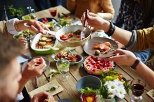 چند درصد ایرانیها شیر، ماهی و فستفود میخورند؟/الگوی تغذیه افراد بالاتر از 15 سال