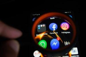 بیشتر نرم افزارها اطلاعات را به فیسبوک می فرستند