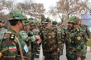 فرمانده کل ارتش از قرارگاه شمال شرق نیروی زمینی ارتش بازدید کرد