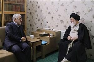 رئیس دانشگاه آزاد اسلامی با آیتالله علمالهدی دیدار کرد