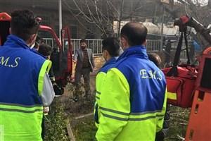 سقوط هواپیما با 10 سرنشین در یک شهرک مسکونی کرج+عکس