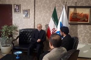 حضور رئیس سازمان انرژی اتمی در ساختمان رسانههای دانشگاه آزاد اسلامی