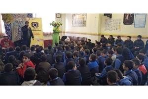 اجرای برنامههای هنری با محوریت صنعت بیمه در مدارس تهران /  زنگ نمایشهای بیمهای در مدارس پایتخت