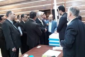 دکتر طهرانچی  از دومین نمایشگاه فنبازار دانشگاه آزاد اسلامی بازدید کرد