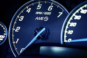 مشکل دور موتور بالا در خودروهای انژکتوری چیست؟