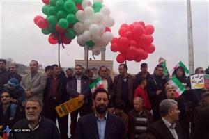 حضور گسترده دانشگاهیان  واحد ورامین-پیشوا و قرچکدر راهپیمایی ۲۲ بهمن + عکس