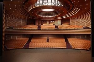 بهره برداری از اولین سالن آمفی  تئاتر فوق حرفهای در ایران