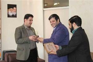 """اهدای تندیس رویشهای انقلاب به جوانترین """"استاد تمام"""" دانشگاههای ایران"""