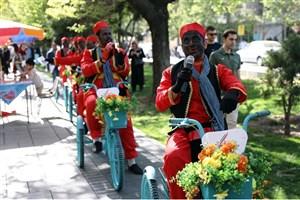 میزبانی از گردشگران نوروزی در پردیس فرهنگی نوروزگاه میدان تاریخی راه آهن