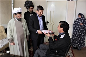مسئولین دانشگاه آزاد اسلامی واحد کرج با خانواده شهدا و جانبازان دیدار کردند