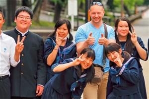 چرا برنامه های تحصیل در خارج در ژاپن محبوبتر شده اند؟