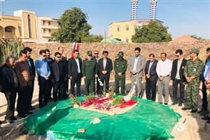 گرامیداشت روز شهید در جوار مزار شهدای گمنام دانشگاه
