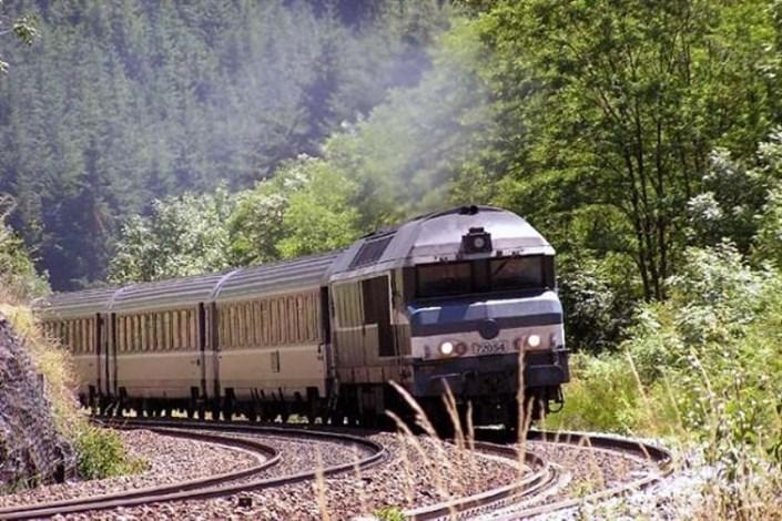 سفر مسافران نوروزی با قطار