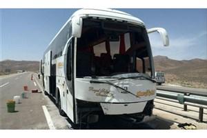 جزئیات تصادف  اتوبوس  با دو دستگاه سواری در محور قم تهران/تصادفات 24 ساعت پیش