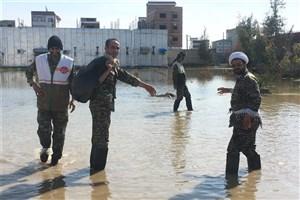 گوشهای از کمکرسانی خانواده دانشگاه آزاد اسلامی به هموطنان سیل زده در شمال کشور
